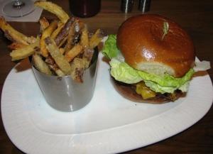 Avenue Kitchen - Burger
