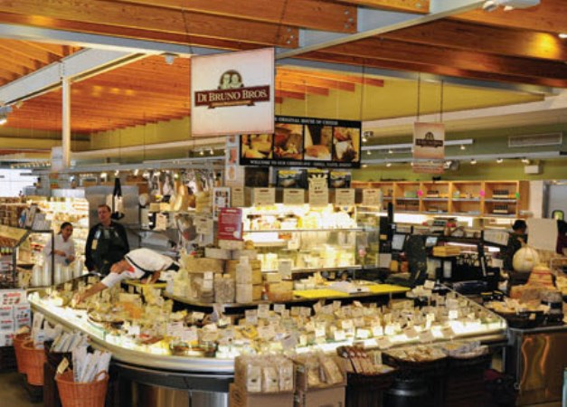 Di Bruno Bros Celebrates Holiday Sason With Festive Cheese Crawl The Artful Diner