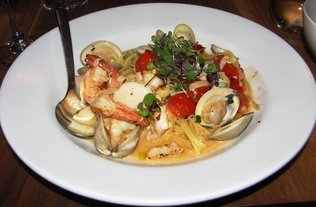 Fare restaurant philadelphia pa a review the artful for Fish restaurant philadelphia