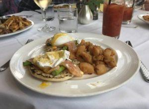 Washington House Basking Ridge - Smoked Salmon Eggs Benedict