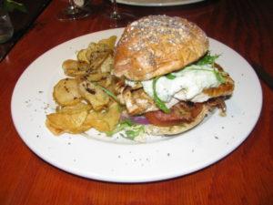 Basic Bistro - Santorini Burger